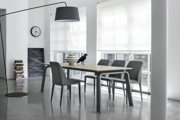 DEIMOS 160 cm Extendable Table With Graphite Painted Aluminum Structure In Desert Synchro-Texture Wood-Effect Laminate Top
