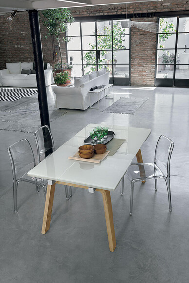 MARTE 160 cm Extendible Table With Natural Wooden Legs White Tempered Glass Top